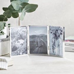 """Fine Silver Hinged photograph frame, 4 x 6"""", silver plate"""