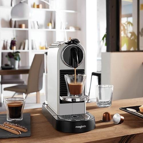 CitiZ - M195 Coffee machine by Magimix, white
