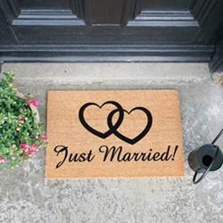 Just Married Doormat, L60 x W40 x H1.5cm, black/brown
