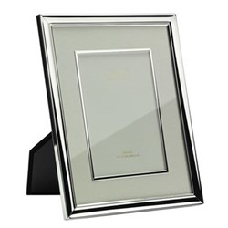"Mount and Bezel Photograph frame, 5 x 7"", silver plate and cream"
