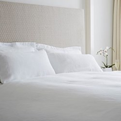 Double fitted sheet, 140 x 190cm, white