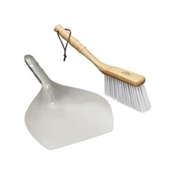 Living Nostalgia Dustpan and brush