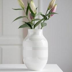 Omaggio Vase, H30.5 x W19.5cm, pearl