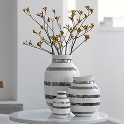 Omaggio Vase, H30.5 x W19.5cm, silver