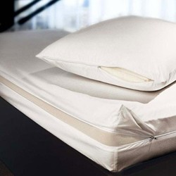 The Morpheus Double padded mattress cover, 135 x 190cm