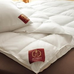The Pearl Super king size duvet 8 tog, 260 x 220cm, premier new white Hungarian goose down