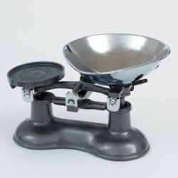Traditional kitchen scales, graphite cast iron with chrome bowl