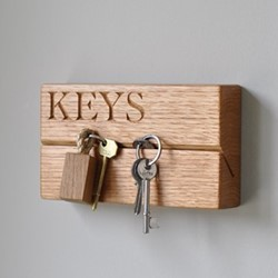 Keys Small key organiser, 20 x 9 x 4.5cm, oak