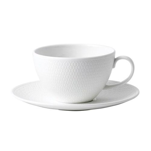 Gio Teacup and saucer, white/ bone china