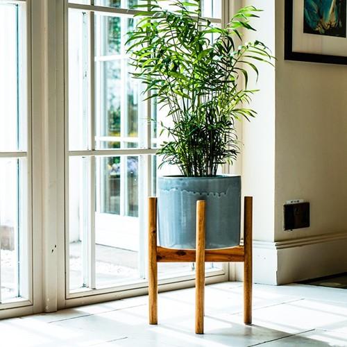 Anzio Planter with stand, H38.5 x W24 x D24cm, warm grey