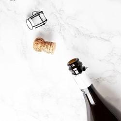 Case of non-vintage Champagne, 6 bottles