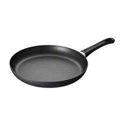 Classic Induction Fry pan in sleeve, 32cm
