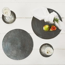 Pair of round place mats, 23cm, stainless steel, flat hammered