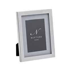 """Newton Photo frame, 4 x 6"""", silver plated"""