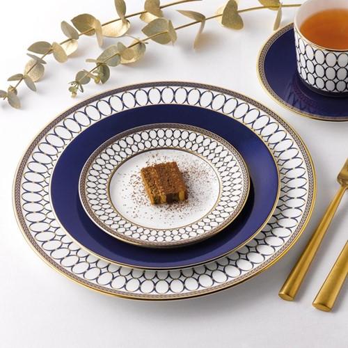 Renaissance Gold 4 piece dinnerware set, white